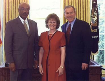 Secretary of Education Rod Paige, Joan Kniss, President George W. Bush