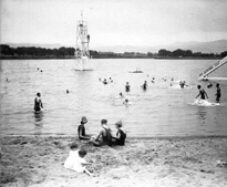 Beach at Lakeside ~ between 1910 and 1920?